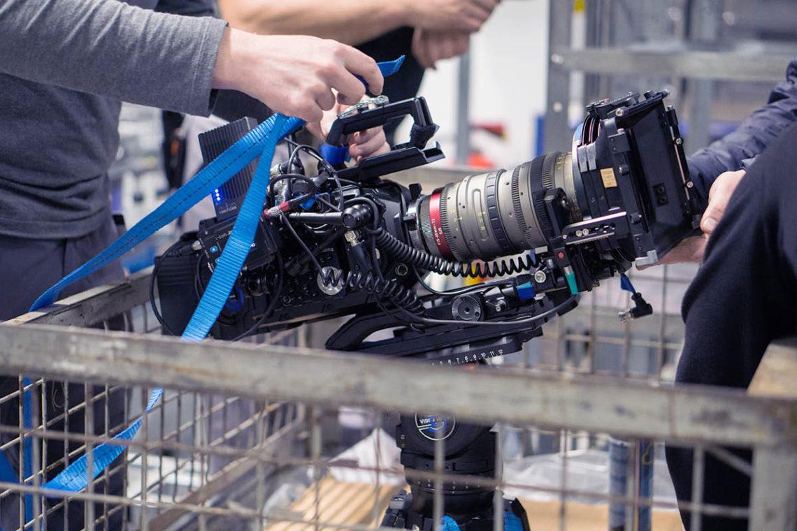 Kamera festmachen und los geht's – mit Erfindergeist lässt sich so manch eine Szene drehen!