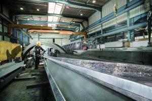 Anwendung - Spart Zeit und Geld: Mit seinen neuen leistungsstarken Kantenfräsen bringt Metabo produktive und effiziente Lösungen für die Schweißnahtvorbereitung im Metallhandwerk und in der Metallindustrie auf den Markt. Foto: Metabo