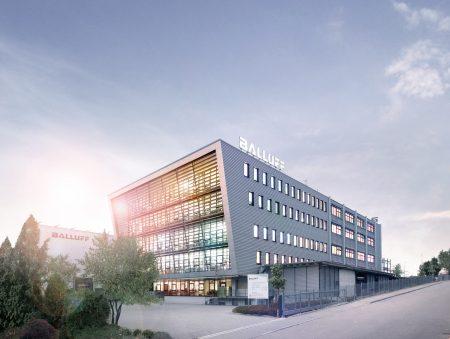 Zusammen mit den Umsätzen von zwei im Laufe des vergangenen Geschäftsjahres integrierten Unternehmen legte der Sensor- und Automatisierungsspezialist Balluff bei Stuttgart um 21,4 Prozent auf 459 Mio. Euro zu.