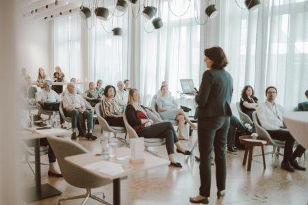 Vortrag Tina Lachmayr, Verband für Interkulturelle Arbeit e.V. zum Thema Diversity bei WOLFF & MÜLLER