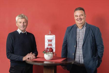 Staffelübergabe bei der WOLFF & MÜLLER Quarzsande GmbH: Udo Flüchter (rechts) folgt auf den langjährigen Geschäftsführer Michael Bork.