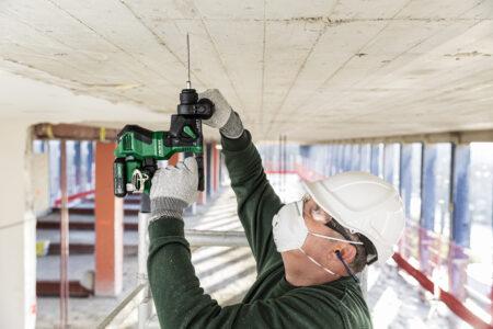 Hikoki Bohrhammer Schlagbohrer auf der Baustelle sind schnell zuverlässig und dank großem 18V Akku 18V bohren sie zuverlässig auch Beton