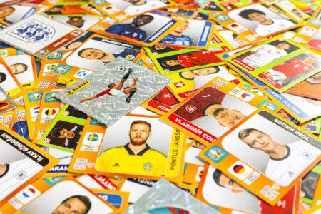 Sticker aus der neuen Panini-Kollektion zur UEFA EURO 2020TM.