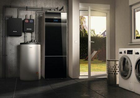 Die Logatherm WSW196i ist die erste Sole-Wasser-Wärmepumpe im Titanium Design