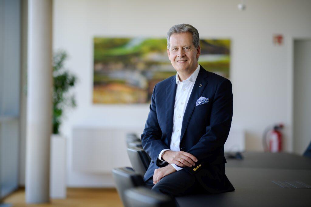 Dr. Johannes Haupt