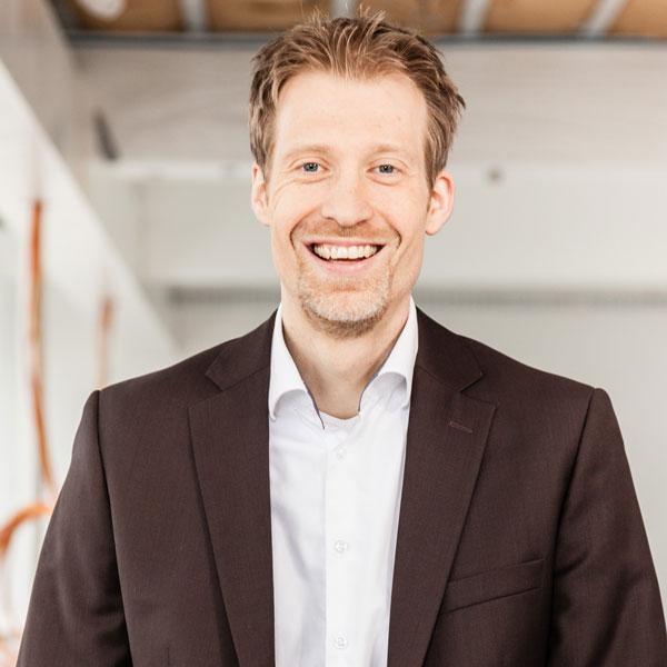 Dr. Bernard Schüler