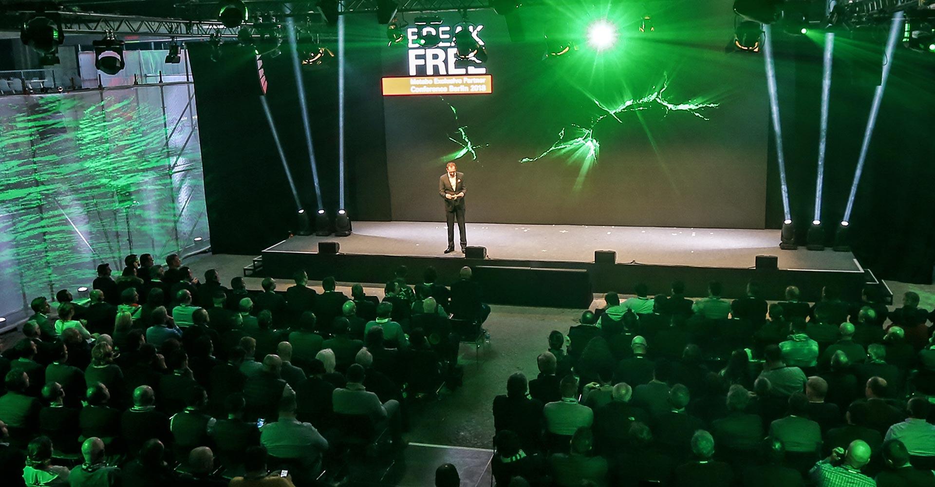 Corporate Events wie Kongress, Messe, Virtuelles Events, Seminare, Roadshows mit flankierender Veranstaltungskommunikation lassen sich perfekt als PR-Event nutzen und erhöhen die Reichweite und die Markenwahrnehmung
